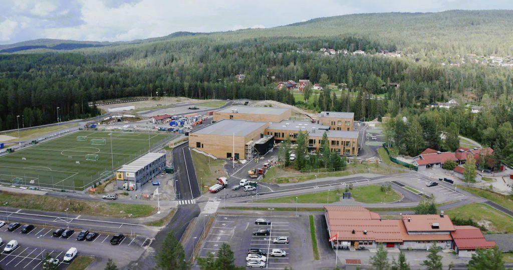 Dette er Norges flotteste skoleanlegg, mener oppvekst- og kultursjef i Flesberg kommune, Siri Baklid.