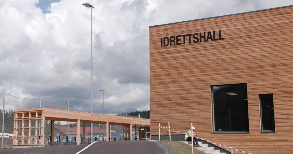 Ny idrettshall og svømmehall kommer med på kjøpet når nye Flesberg skole nå kan tas i bruk.